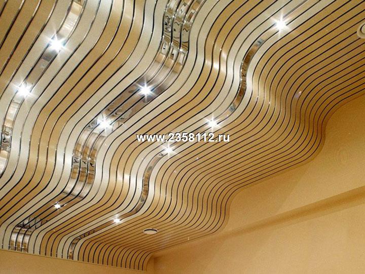 потолки в коридоре из пластиковых панелей фото